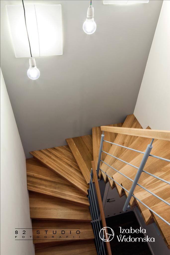 Pięknie na dwóch poziomach | Dobre życie, równowaga | Projekt wnętrza architekt Izabela Widomska